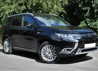 Mitsubishi Outlander PHEV Dynamic  Safety
